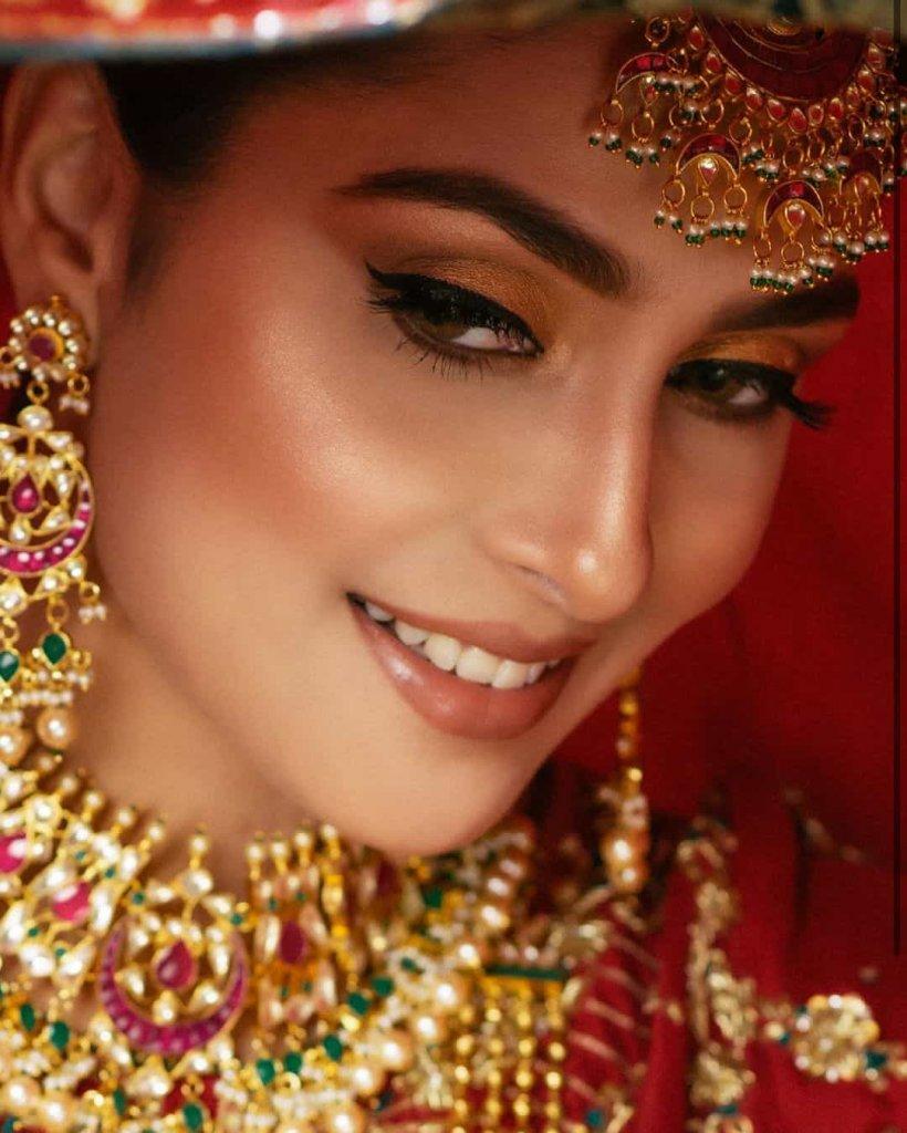 ayeza-khan-latest-bridal-shoot