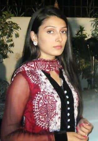 ayeza-khan-old-pics