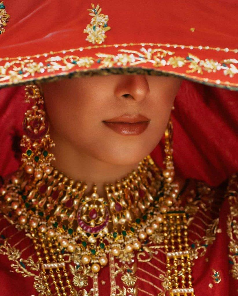 ayeza-khan-bridal-photoshoot