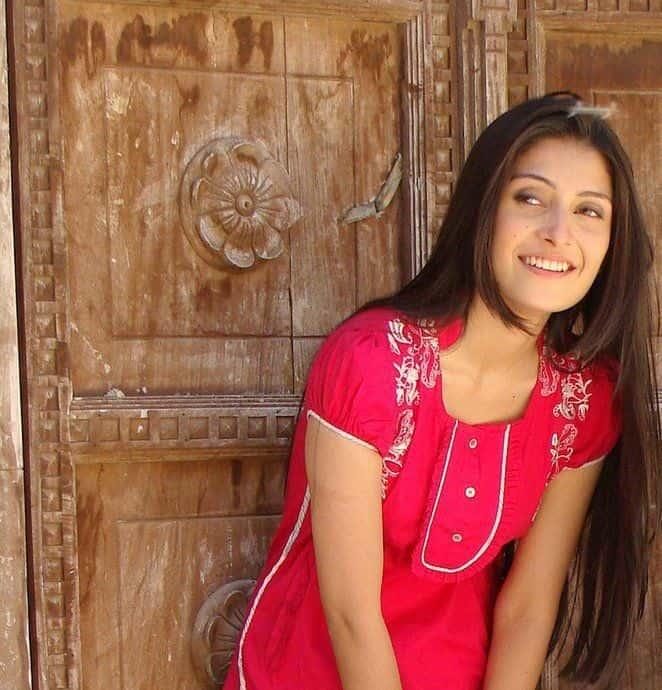 ayeza-khan-smiling-pics