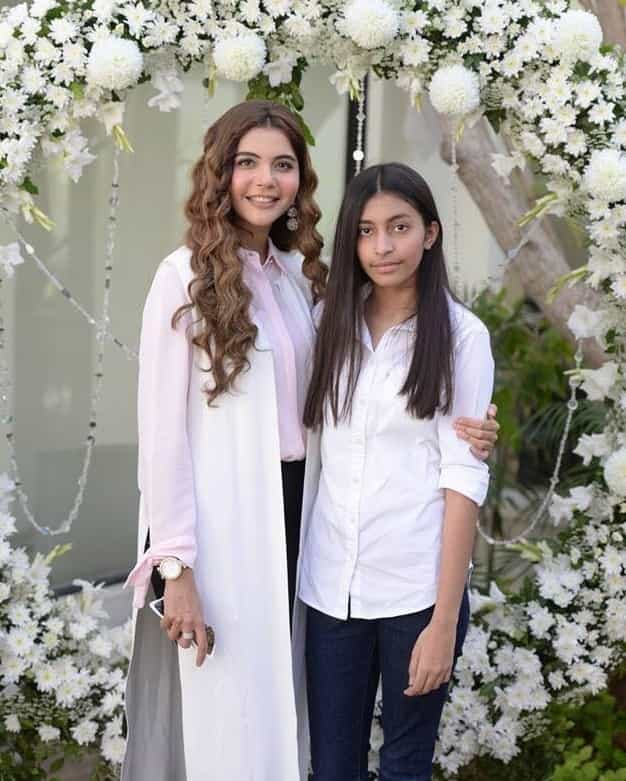 nida-yasir-with-her-daughter