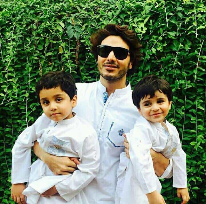 Ahsan Khan Beautiful Pictures With His Wife And Kids ...