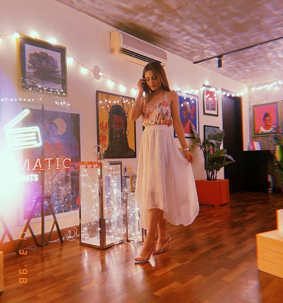 Aima Baig Celebrates Birthday With Friends