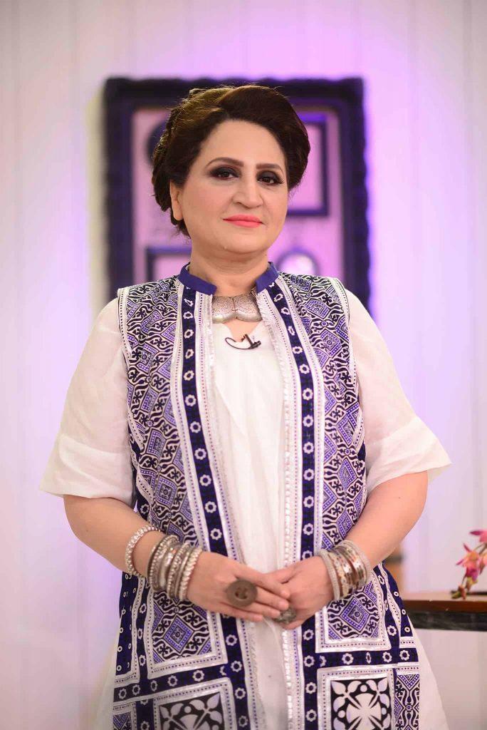 Beautiful Pictures of Bushra Ansari's in Nida Yasir Morning Show