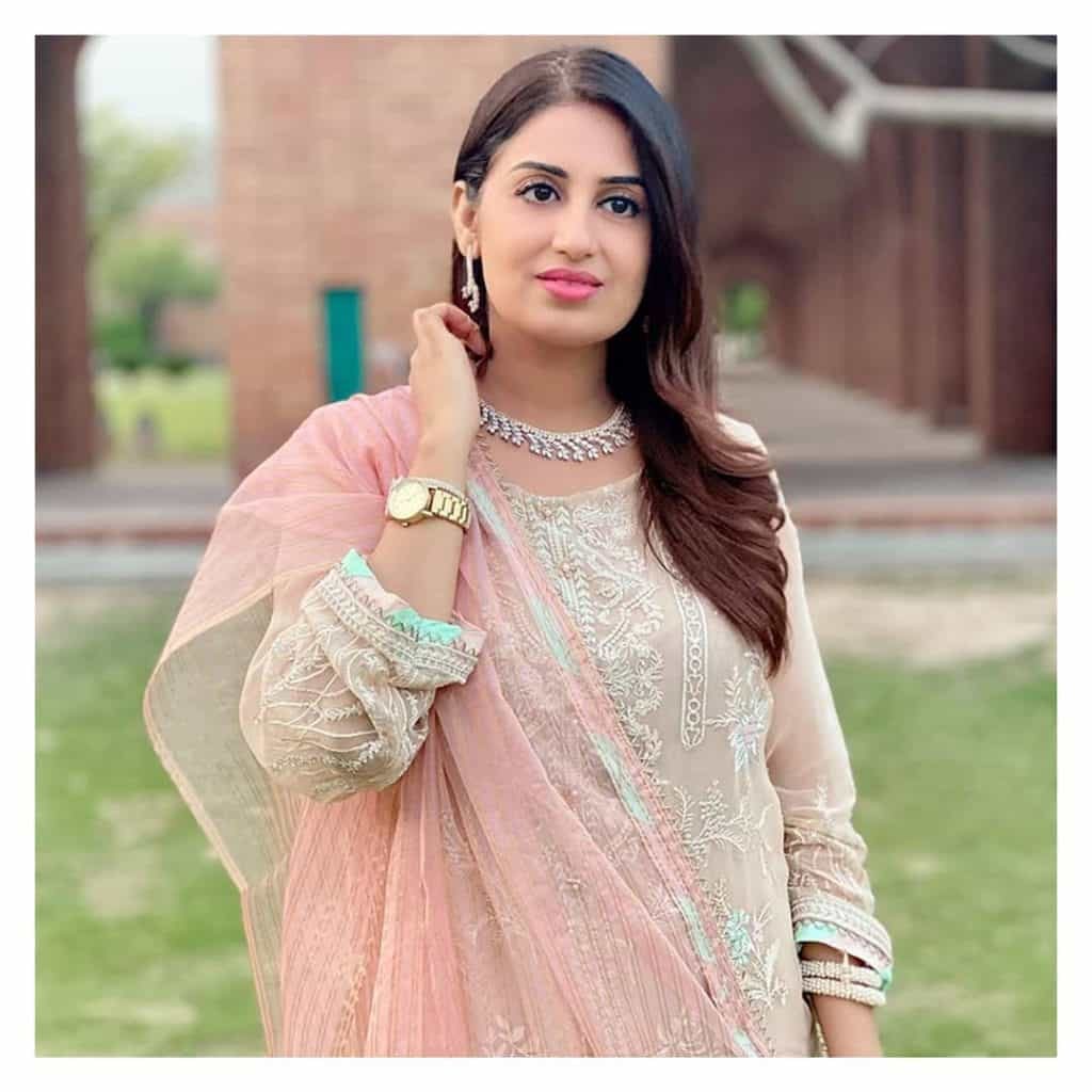 Beautiful Pictures of Farah Yousaf At Her Sister's Wedding Ceremony