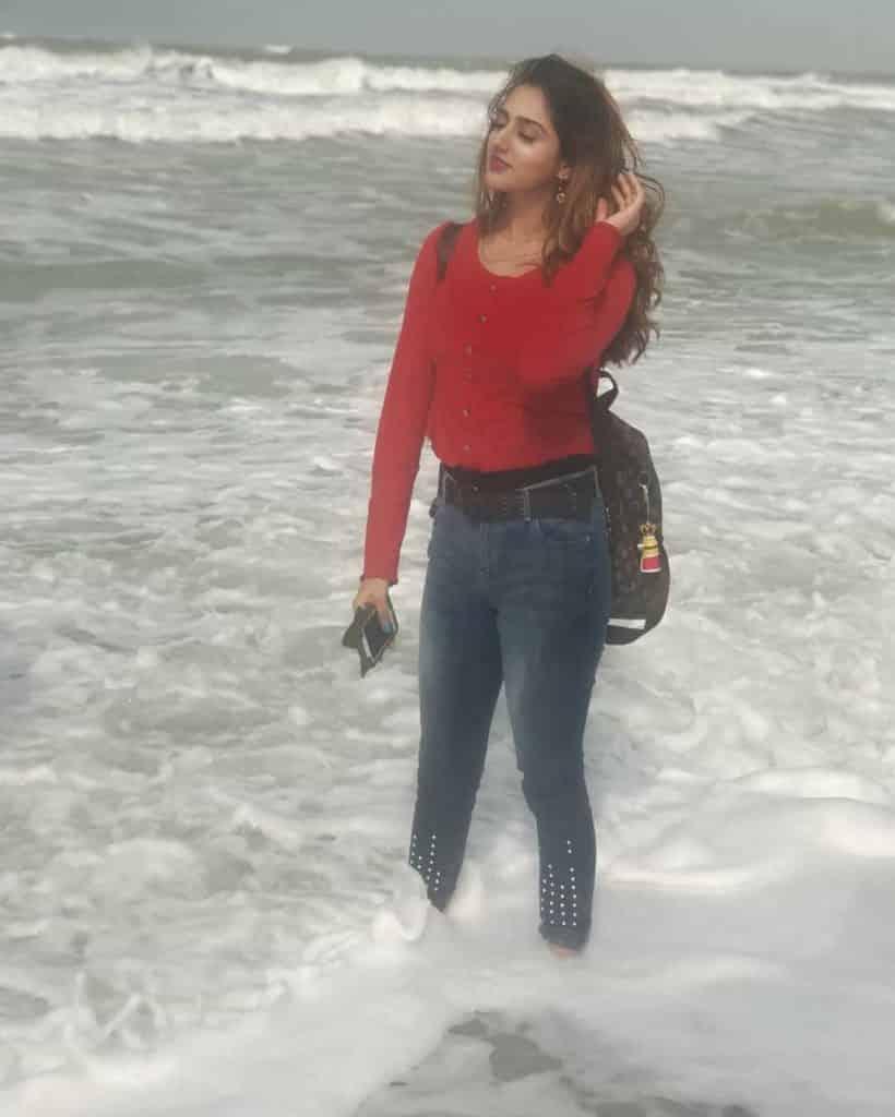 Jannat Mirza Famous Tiktok Girl Celebrates 2M Followers On Instagram