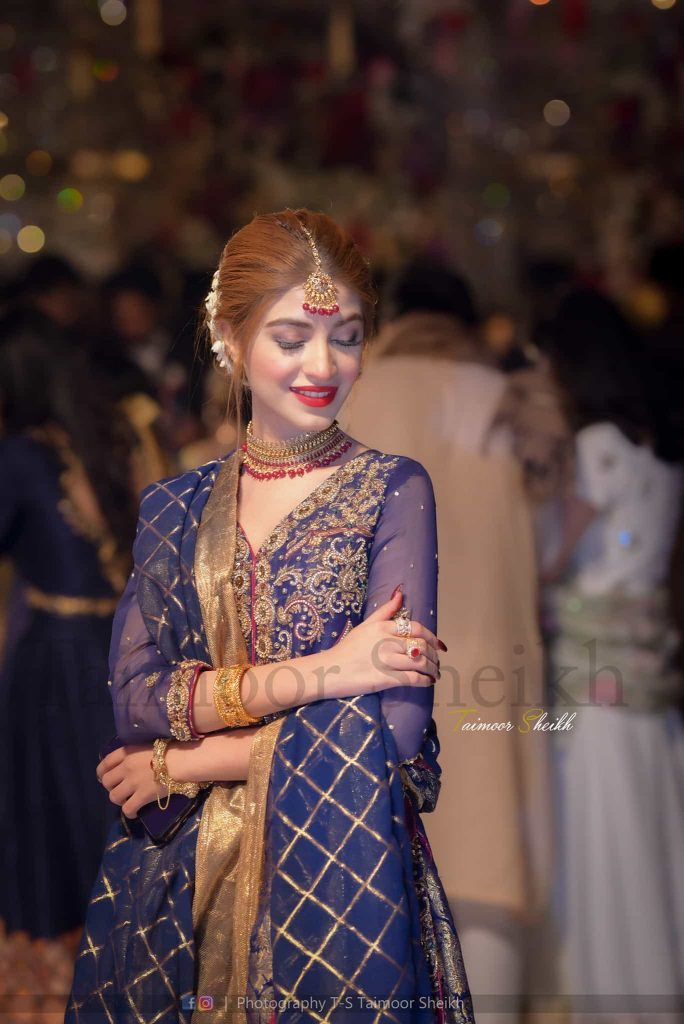 Dance Video of Beautiful Kinza Hashmi At Her Friend's Wedding