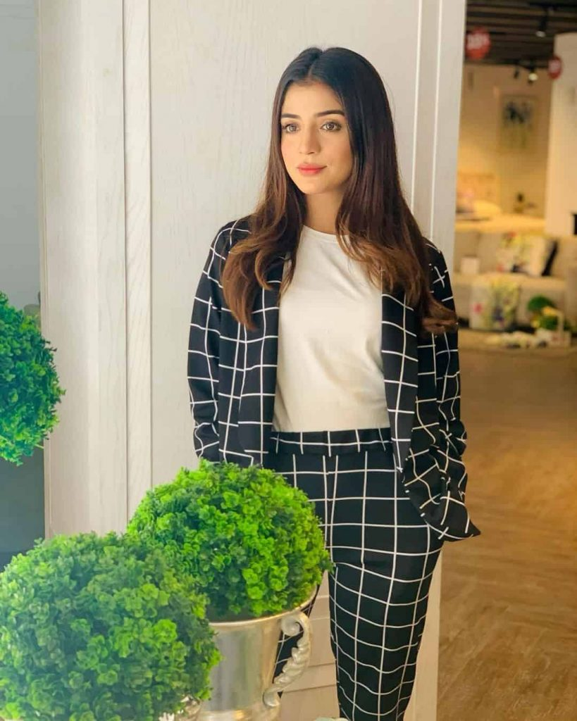 Laiba Khan Height, Actress, Age, Husband, Family, Biography & More