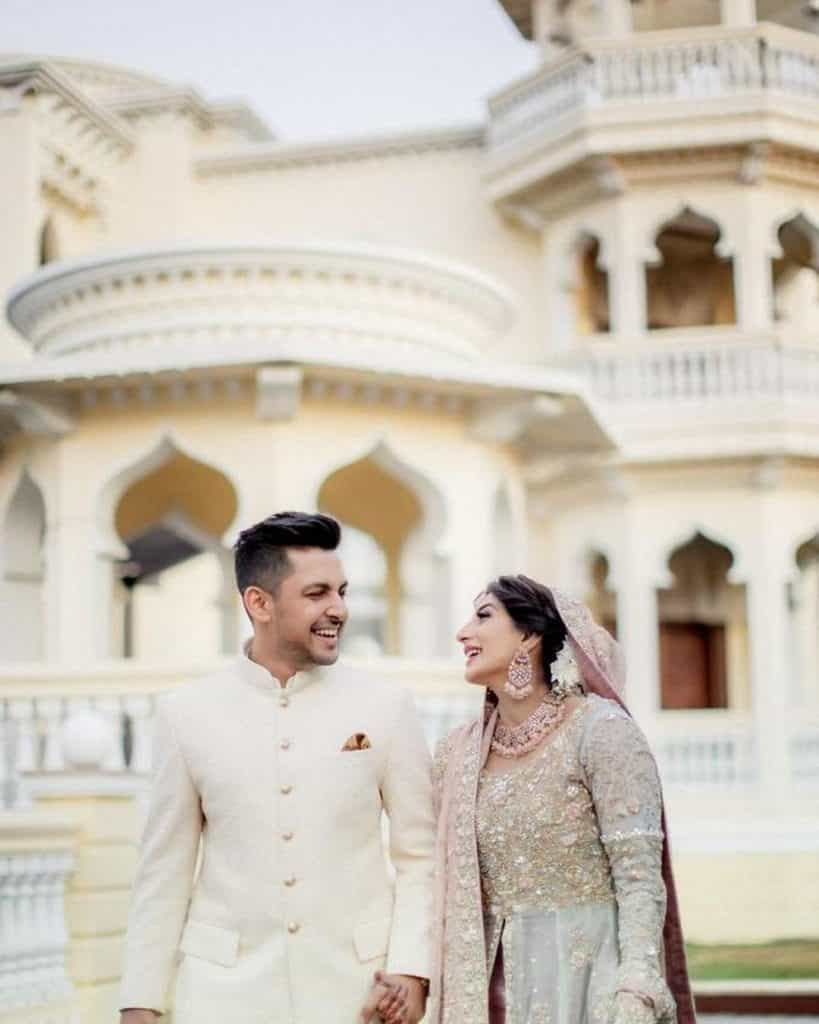 Beautiful Pics of Newly Wed Couple Mariam Ansari And Owais Khan