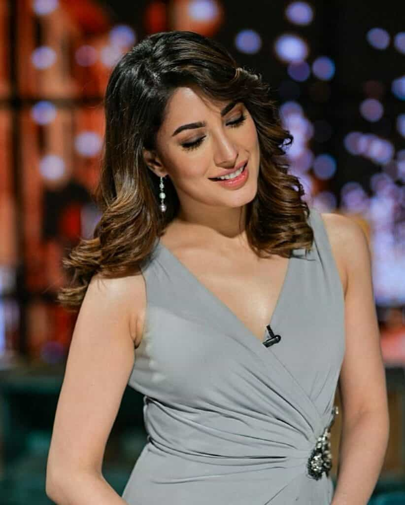 Mehwish Hayat Actress of Pakistan New Attractive and Stunning Pictures