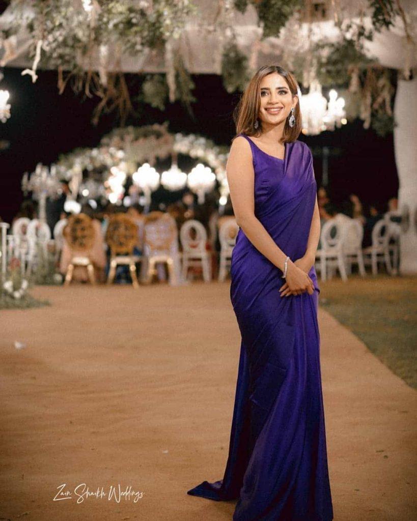Saboor Ali Attends Friend's Wedding With Bestie Zara in Karachi. Inside Pics And Videos