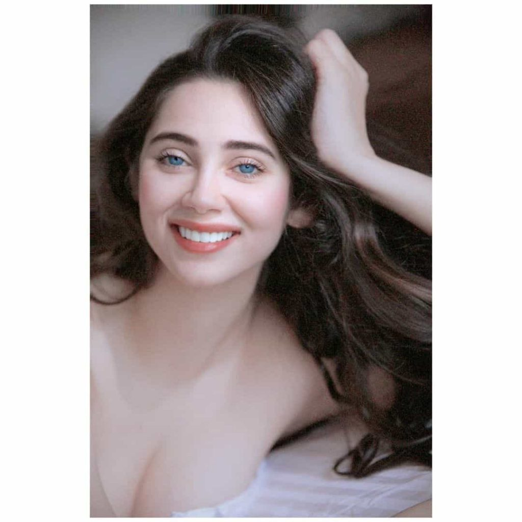 Salma Agha Daughter Who Look Like Sisters Are Actually Mom And Daughter