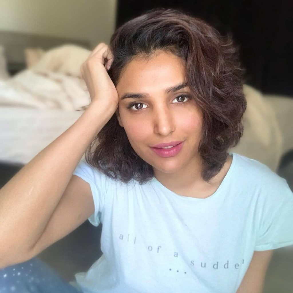 Amna Ilyas in Her New Viral Video Demanded A Public Apology from PM Imran Khan