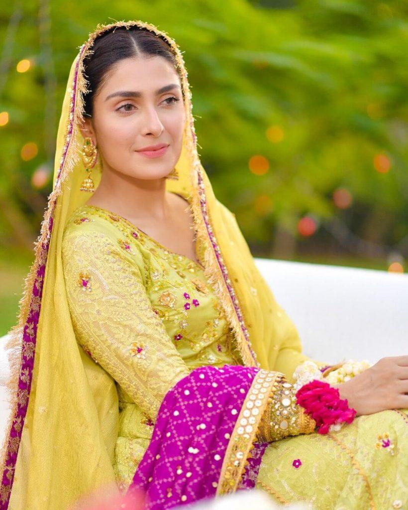 Beautiful Pictures of Ayeza Khan And Mehwish Hayat Wearing Same Dress