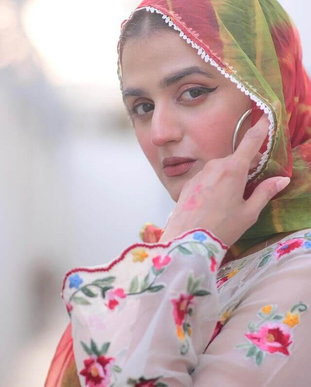 Beautiful Pictures of Hira Mani Attending A Friend's Iftar Party