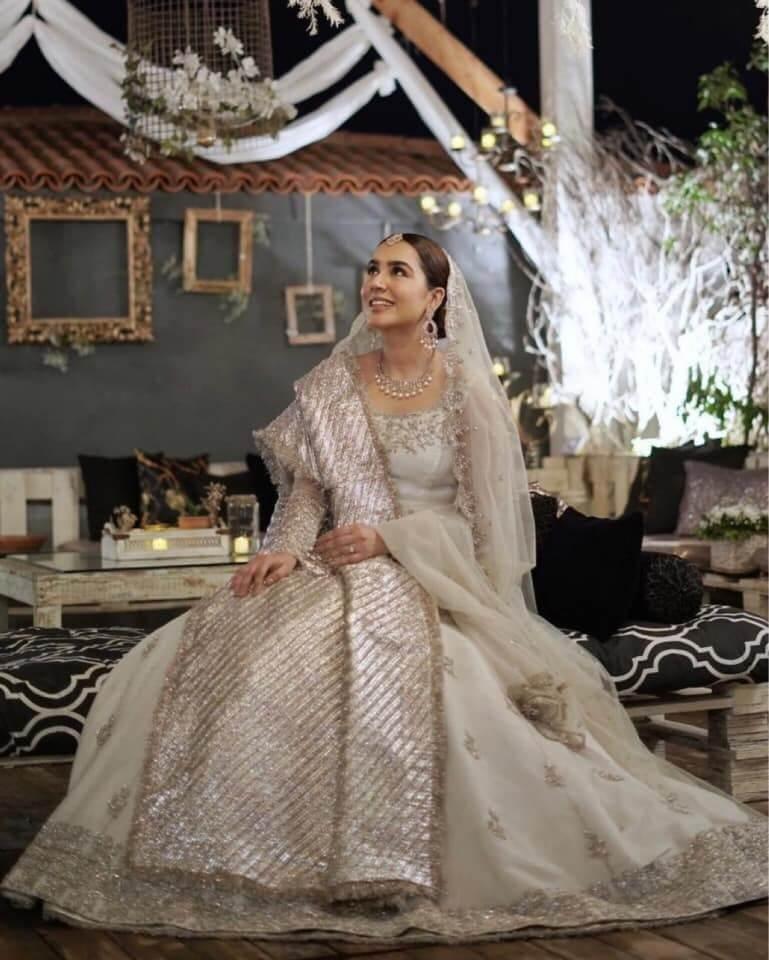 Mansha Pasha Wedding Pictures With Her Husband