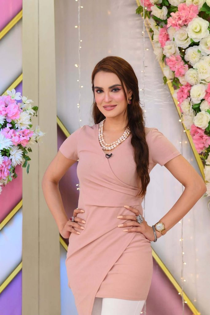 Pic: Nadia Hussain Looks Blissful in Her Latest Photoshoot