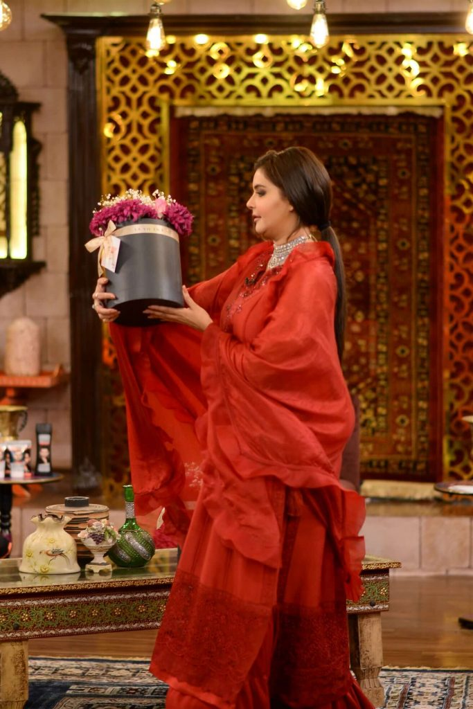 Nida Yasir's Simple Red Dress Look is Just Stunning, Take a Look