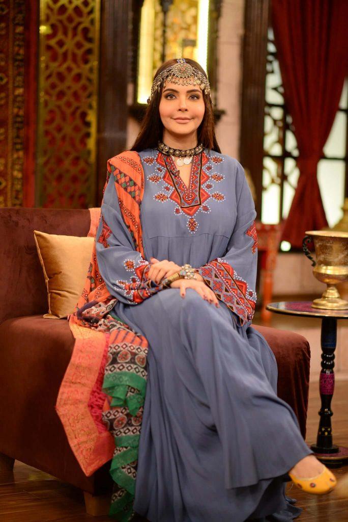 Nida Yasir Copying Halima Sultan... Seriously (See Pics)