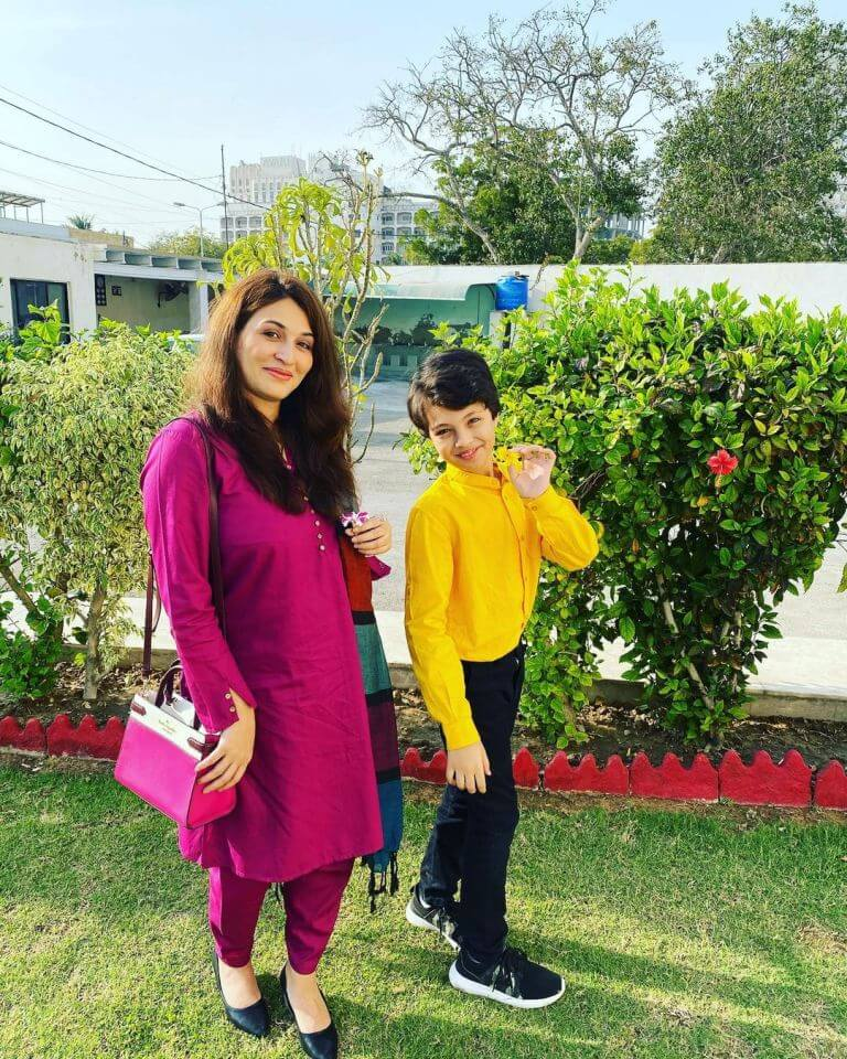 Pehlaaj Hassan Shares An Adorable Picture With Mother Qurat Ul Ain Iqrar