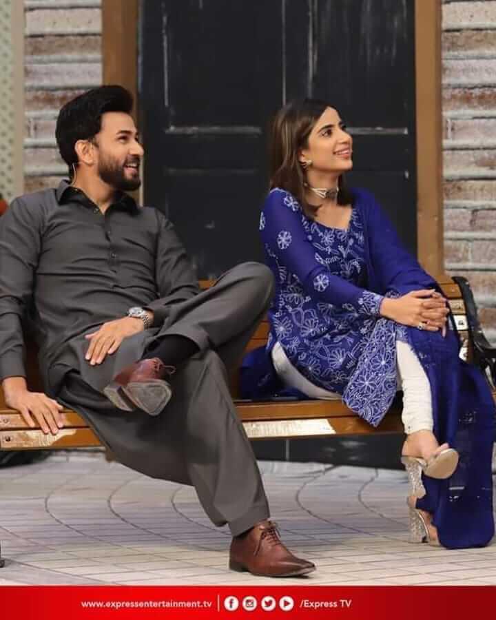 Actress Saboor Ali Humiliated Aamir Liaquat For Making Obscene Gestures