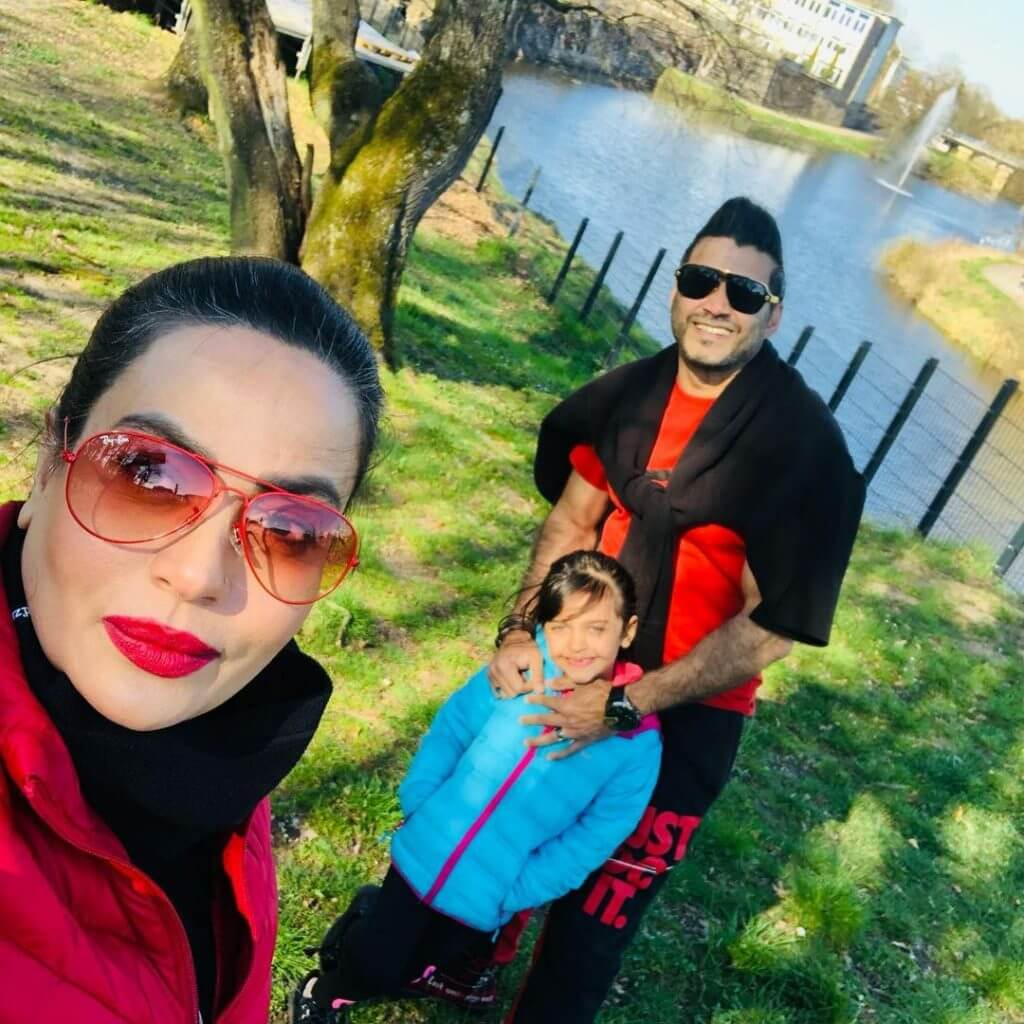 Beautiful Pictures of Sadia Imam Lovely Family Vacation
