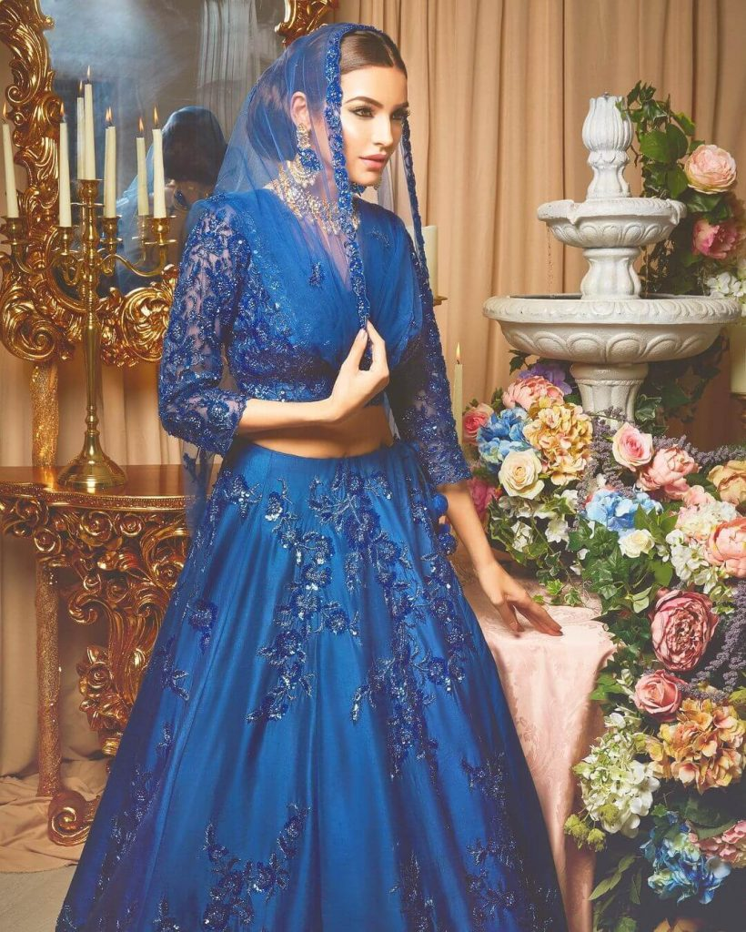 Sadia Khan Dresses