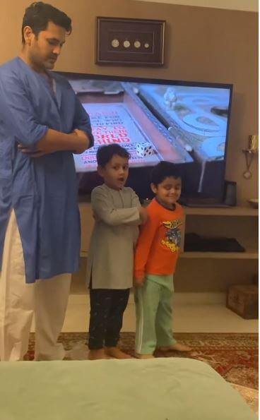 'Amma' Sarwat Gilani Teaches Son, Rohan Mirza To Offer 'Namaz' In This Rare Unseen Video