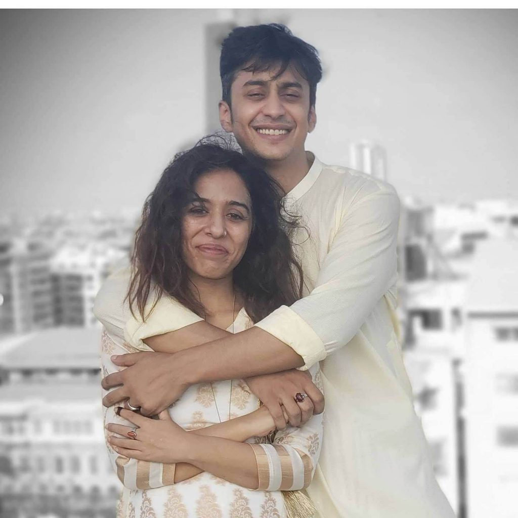 Yasra Rizvi New Latest Pictures With Her Lovely Husband Abdul Hadi