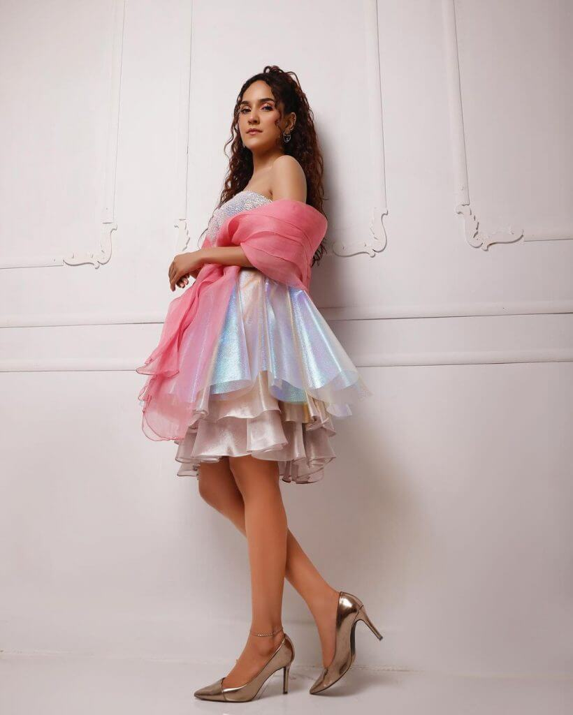 Beautiful Pictures of Anoushay Abbasi Wearing Barbie Doll Frock