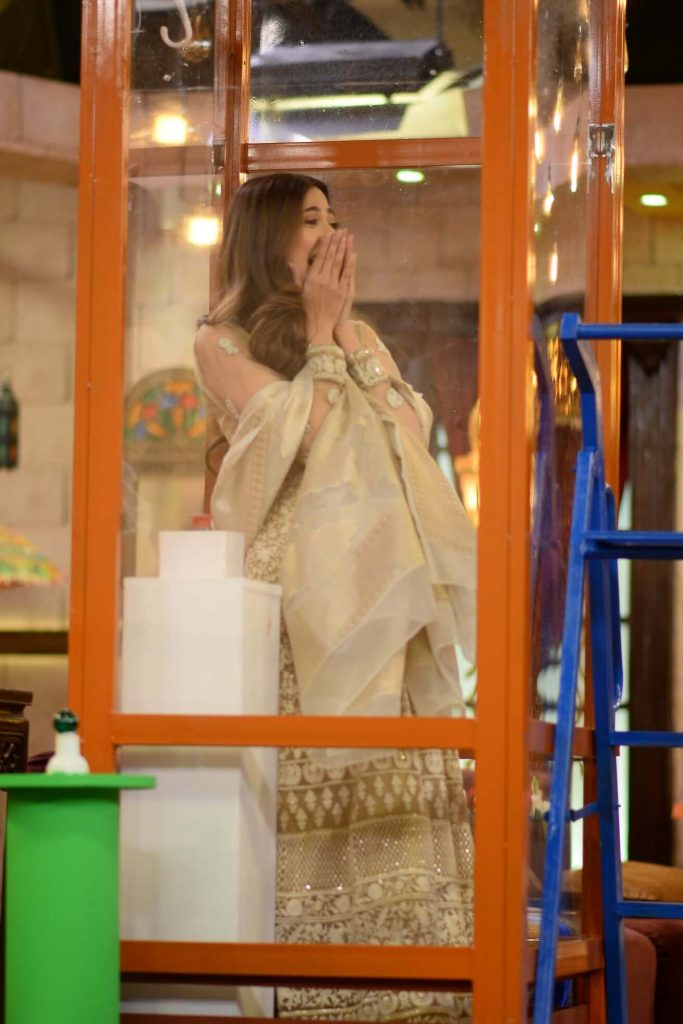 Beautiful Pictures of Aymen Saleem's in Nida Yasir Morning Show