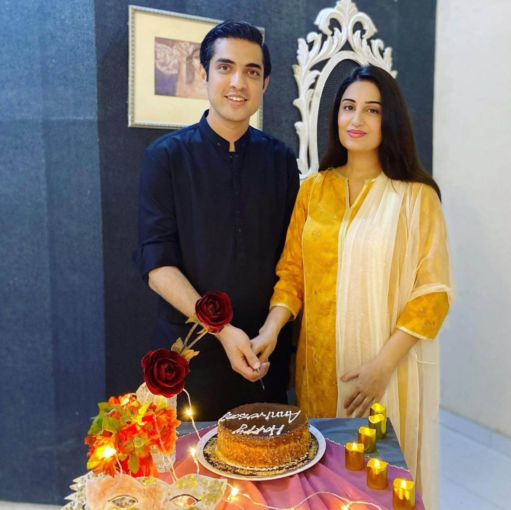 Beautiful Pictures of Iqrar Ul Hassan Celebrates 9th Anniversary With His Wife Farah Yousaf