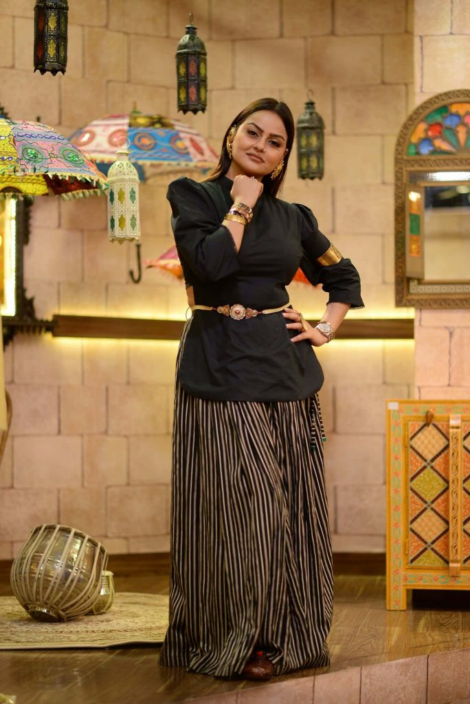 Javeria Abbasi Shows Off Her Stylish Side In Her Latest Instagram Picture