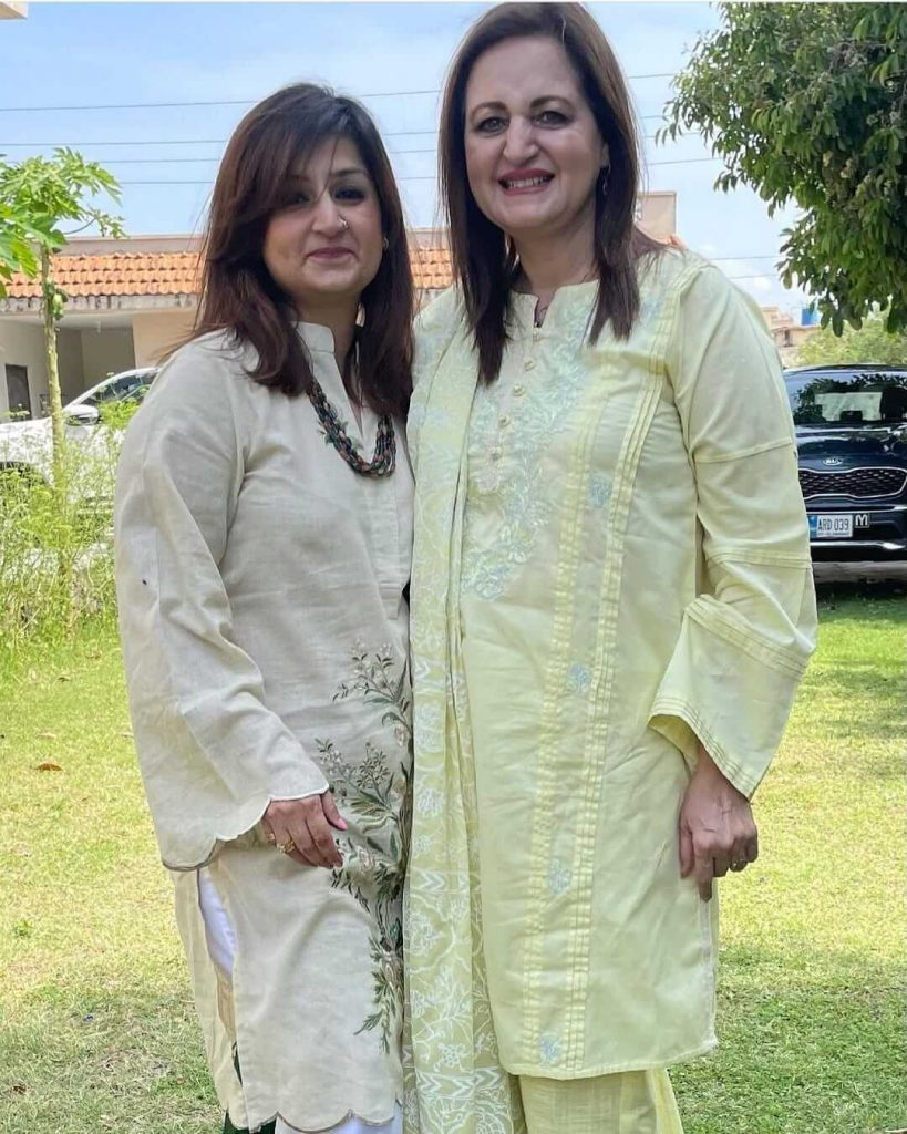 Laila Zuberi Latest Beautiful Pictures With Her Daughter Tania