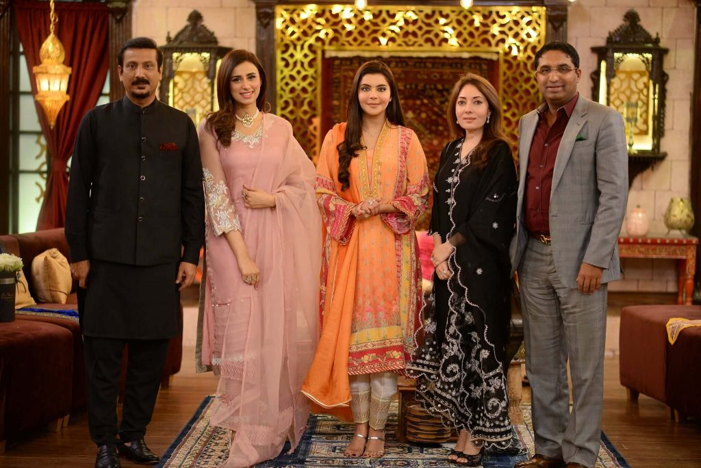 madiha naqvi pics with husband faisal subzwari