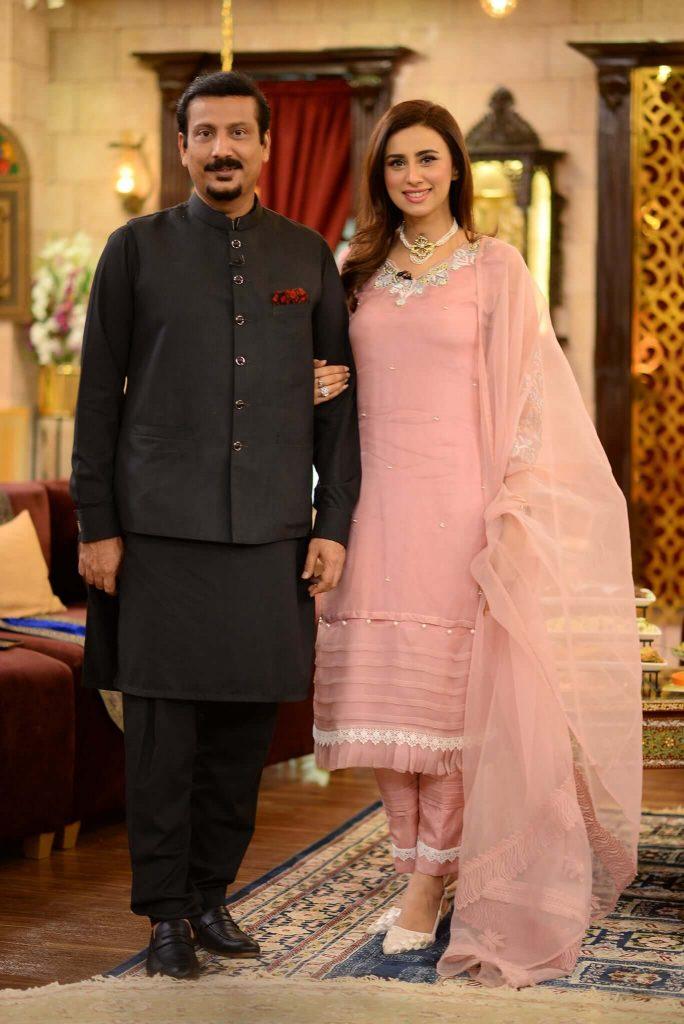 madiha naqvi husband pics