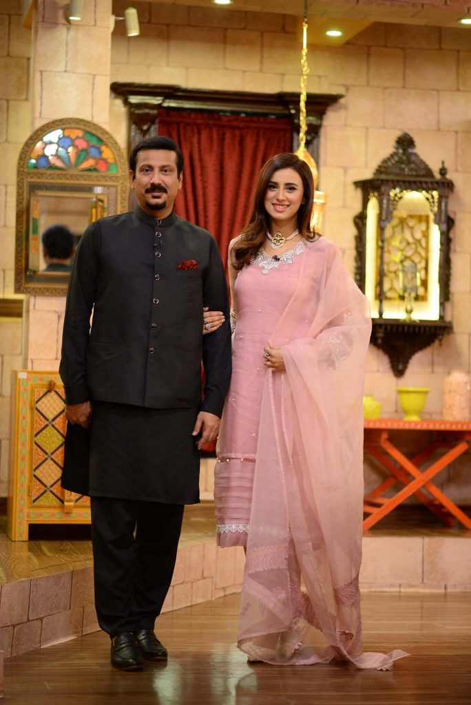 madiha naqvi with second husband