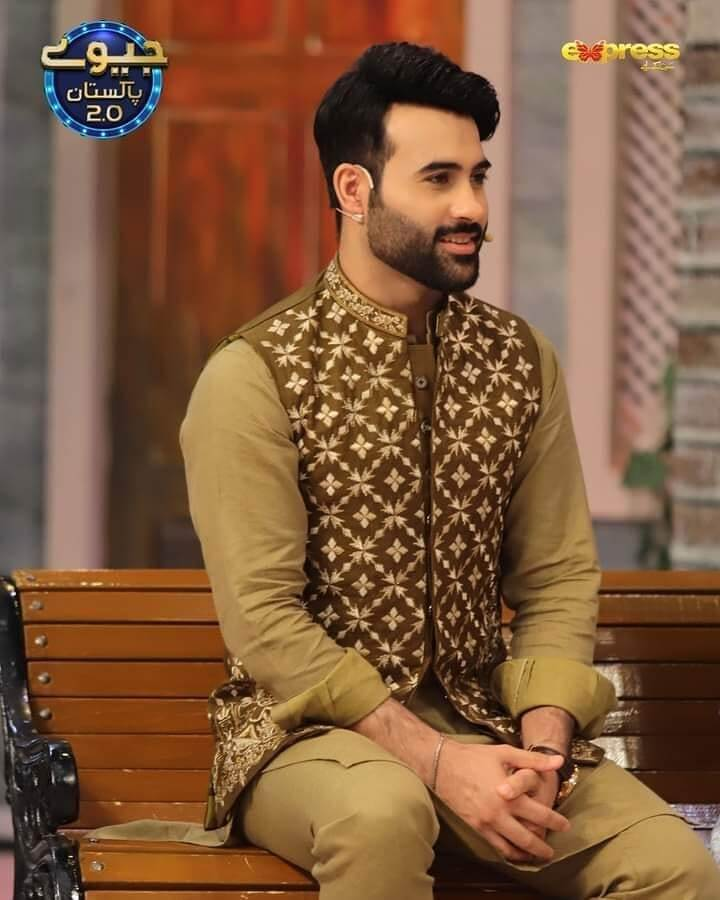 Maham Amir Latest Beautiful Pictures With Her Husband Faizan Sheikh