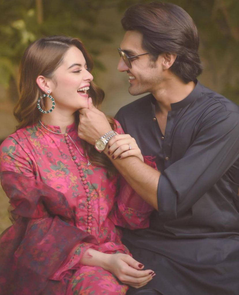 Beautiful Family Pictures of Minal Khan With Her Husband And In-Laws