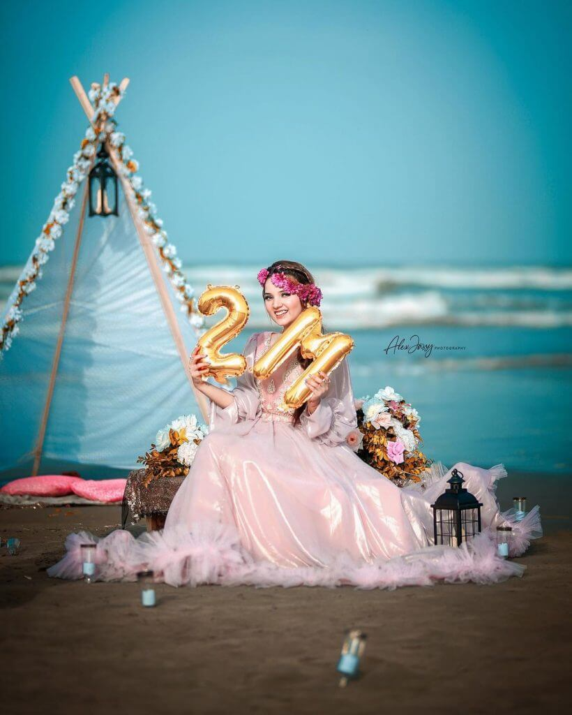 Rabeeca Khan Famous Tiktok Girl Celebrates 2M Followers On Instagram