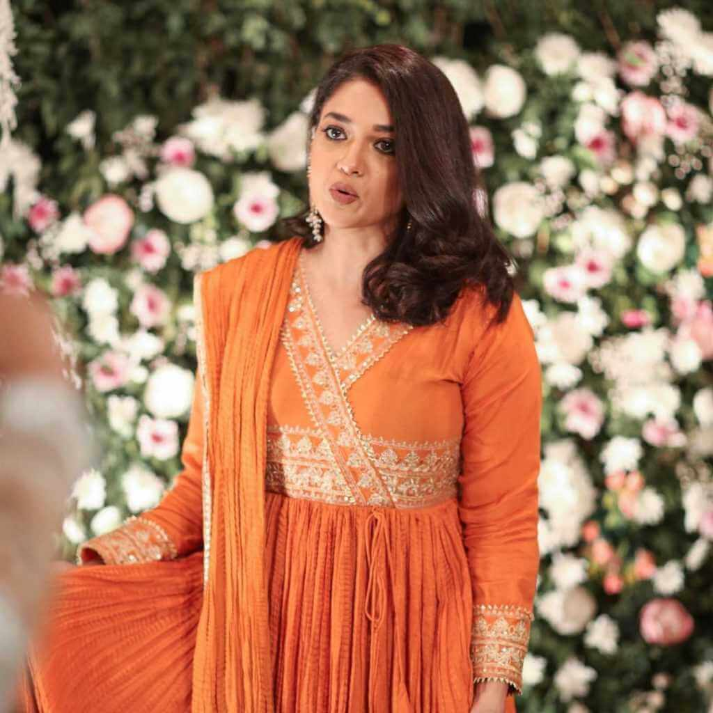 Sanam Jung Looks so Fat in her Recent Pictures