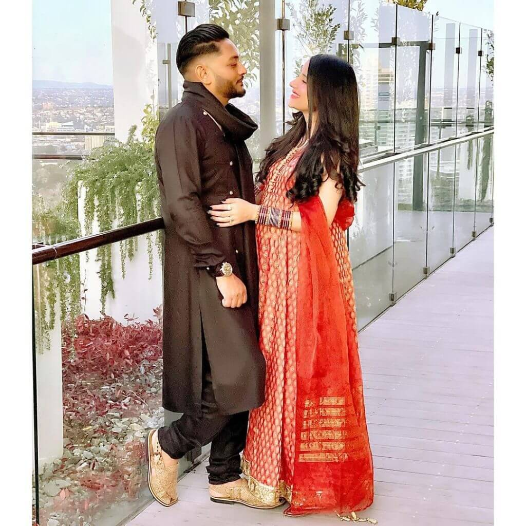 Beautiful Pictures of Hidayat Syed Wife Saniya Shamshad Expecting Their First Baby