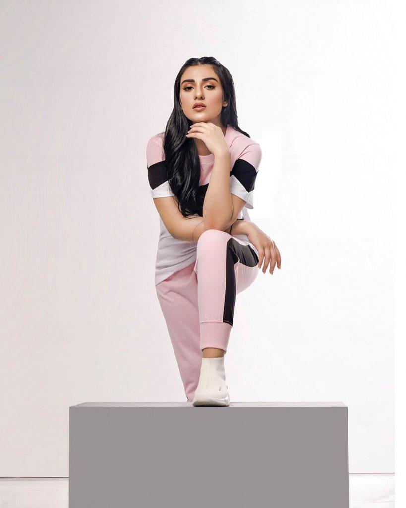 Actress And Model Sarah Khan Clicks in Gym Wear
