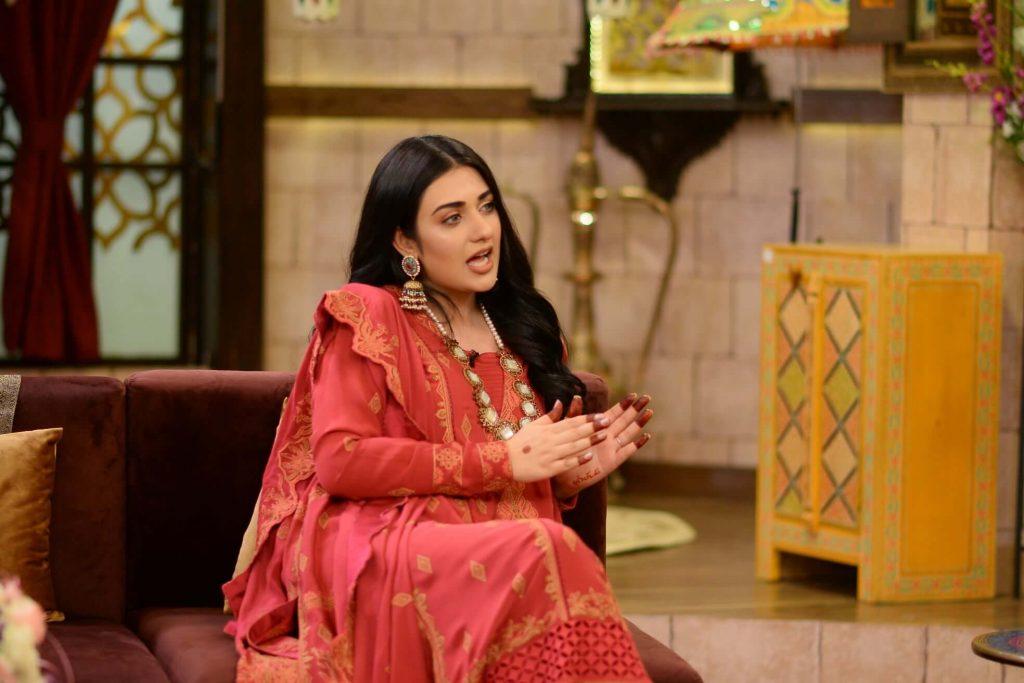 Beautiful Pictures of Sarah Khan's in Nida Yasir Morning Show