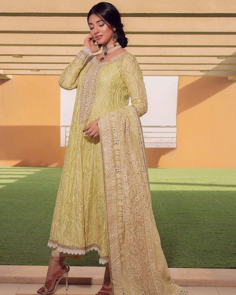 Falak Shabir Celebrates Eid With Wife Sarah Khan