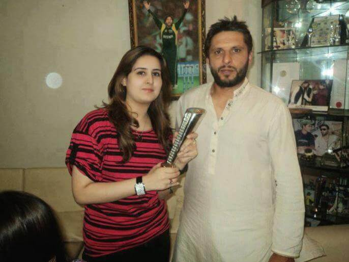 Shahid Afridi Shares Powerful Message Through Latest INTERVIEW Highlighting Importance of Mobile Phone