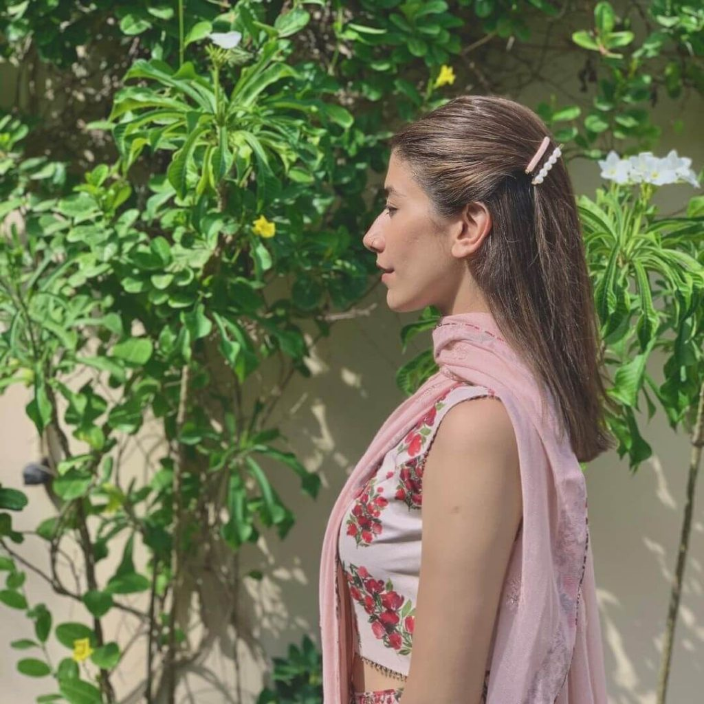 Syra Yousaf Celebrated Her Eid In 2020 Wearing A Saree