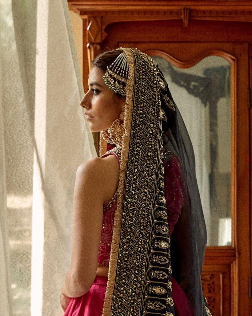 Syra Yousuf New Bridal Look In Red Collection