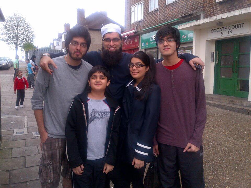 junaid jamshed complete family