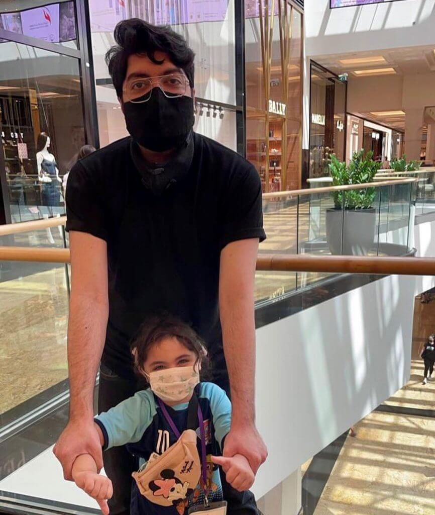 taimur junaid jamshed with his daughter